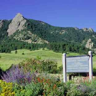 Colorado Chautauqua is a cottage retreat at the foot of the Rocky Mountains